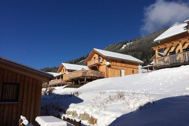 Luxe chalet met sauna en jacuzzi in Oostenrijk