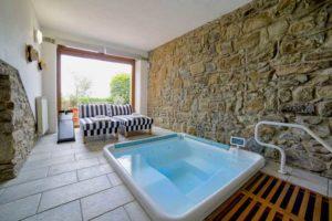 Jacuzzi en sauna in deze heerlijke vakantievilla in Italië, Toscane