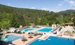 Zwembaden en spa op deze camping in de Ardèche.