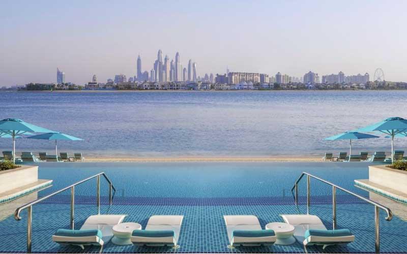 Stedentrip Dubai, hotel met overloopzwembad