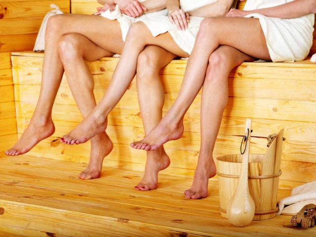 3 dames genieten in de Zwaluwhoeve van de aanbieding met overnachting